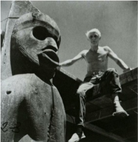 Fig. 5. Max Ernst beside a Kwakiutl wood sculpture in Sedona, Arizona, 1948. Photo: Bob Towers. Max Ernst Museum, Brühl, collection Peter Schamoni (Hannah Fullgraf).