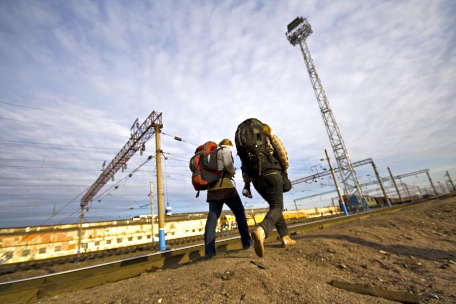 Foto 1- Terje Toomistu haciendo auto-stop en Rusia