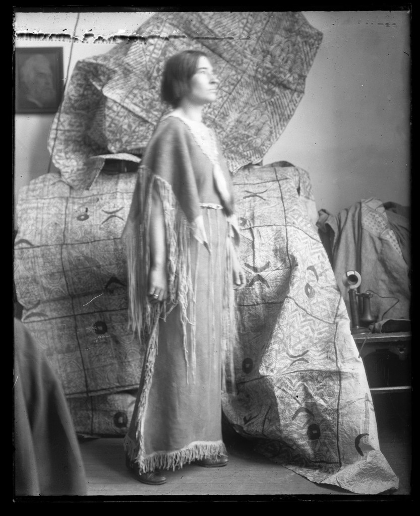 Ruth Reeves in Native American dress, ca. 1916. Photographer unknown. Image 2A18824, American Museum of Natural History Library.